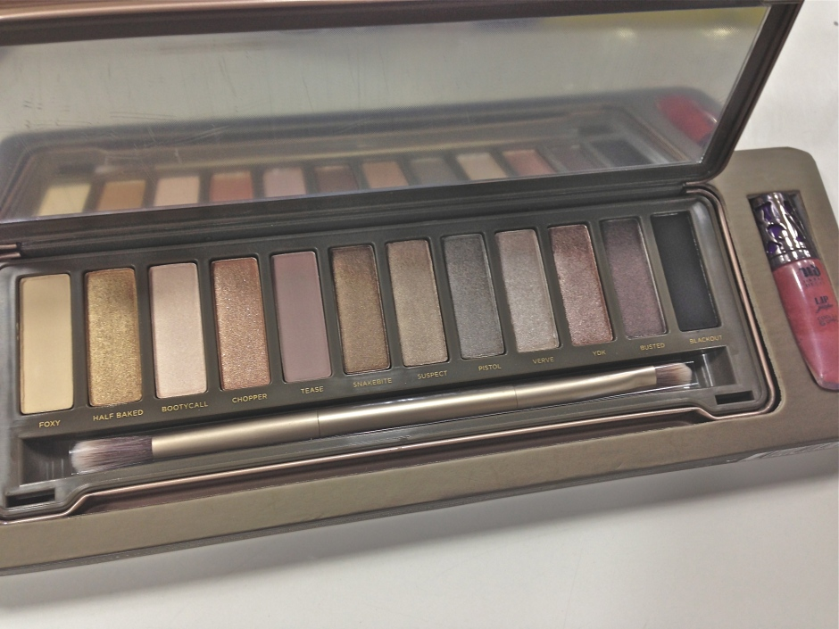 Naked 2 Palette Open